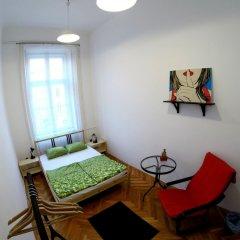 Friends Hostel and Apartments Budapest комната для гостей фото 4