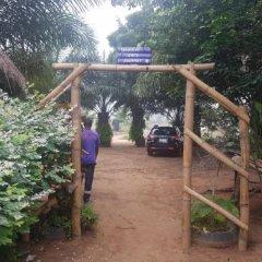 Отель Stumble Inn Eco Lodge Гана, Шама - отзывы, цены и фото номеров - забронировать отель Stumble Inn Eco Lodge онлайн парковка