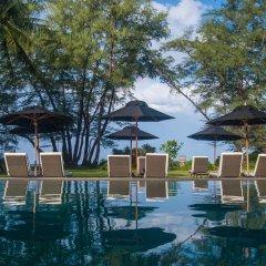 Отель SALA Phuket Mai Khao Beach Resort бассейн фото 3