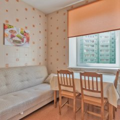 Гостиница FlatHome24 near metro Komendanskiy prospect комната для гостей фото 2