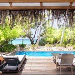 Отель Taj Coral Reef Resort & Spa Maldives Мальдивы, Северный атолл Мале - отзывы, цены и фото номеров - забронировать отель Taj Coral Reef Resort & Spa Maldives онлайн бассейн фото 3