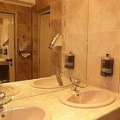 Отель Magic Palm Hotel Болгария, Равда - отзывы, цены и фото номеров - забронировать отель Magic Palm Hotel онлайн ванная
