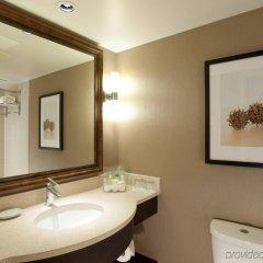 Отель Pacific Gateway Hotel Канада, Ричмонд - отзывы, цены и фото номеров - забронировать отель Pacific Gateway Hotel онлайн ванная