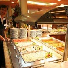Отель Hostel Coral City Болгария, Солнечный берег - отзывы, цены и фото номеров - забронировать отель Hostel Coral City онлайн питание фото 2