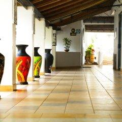 Отель Golden Star Beach Hotel Шри-Ланка, Негомбо - отзывы, цены и фото номеров - забронировать отель Golden Star Beach Hotel онлайн интерьер отеля