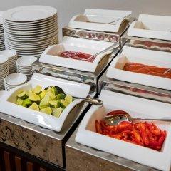 Отель Red Sun Nha Trang Hotel Вьетнам, Нячанг - отзывы, цены и фото номеров - забронировать отель Red Sun Nha Trang Hotel онлайн питание фото 2