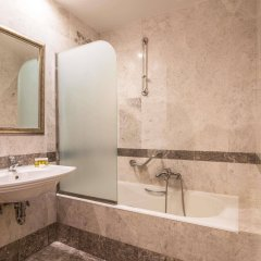 Отель Museum Hotel Греция, Афины - отзывы, цены и фото номеров - забронировать отель Museum Hotel онлайн ванная фото 2