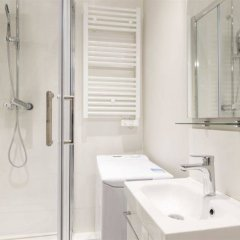 Отель Grand Studio Saint-sulpice Sèvres-babylone Франция, Париж - отзывы, цены и фото номеров - забронировать отель Grand Studio Saint-sulpice Sèvres-babylone онлайн ванная