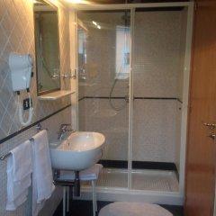 Отель Degli Amici Италия, Помпеи - отзывы, цены и фото номеров - забронировать отель Degli Amici онлайн ванная фото 2