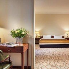 Отель Bristol Berlin Германия, Берлин - 8 отзывов об отеле, цены и фото номеров - забронировать отель Bristol Berlin онлайн удобства в номере