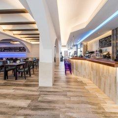 Отель Hostal Tarba гостиничный бар