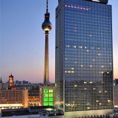 Отель Park Inn by Radisson Berlin Alexanderplatz бассейн