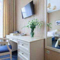 Гостиница Астон 4* Стандартный номер с 2 отдельными кроватями фото 11