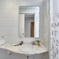 Отель Apartamentos Calvet Испания, Барселона - отзывы, цены и фото номеров - забронировать отель Apartamentos Calvet онлайн ванная