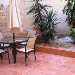 Отель Malta Holiday Lets Sliema Мальта, Слима - отзывы, цены и фото номеров - забронировать отель Malta Holiday Lets Sliema онлайн бассейн