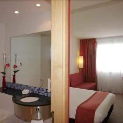 Отель Holiday Inn Express Barcelona City 22@ комната для гостей фото 5