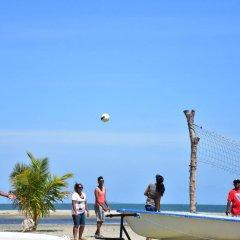 Отель Club Fiji Resort спортивное сооружение