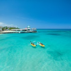 Отель Sandals Ochi Beach Resort All Inclusive Couples Only пляж