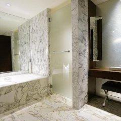 Отель Grand Hyatt Singapore Сингапур, Сингапур - 1 отзыв об отеле, цены и фото номеров - забронировать отель Grand Hyatt Singapore онлайн ванная фото 2