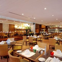 Отель Hilton Phuket Arcadia Resort and Spa Пхукет питание