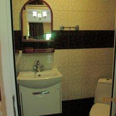 Гостиница Y Elena Guest House в Сочи отзывы, цены и фото номеров - забронировать гостиницу Y Elena Guest House онлайн ванная