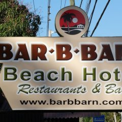 Bar-B-Barn Beach Hotel фото 2
