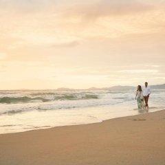 Отель Indura Beach & Golf Resort, Curio Collection by Hilton Гондурас, Тела - отзывы, цены и фото номеров - забронировать отель Indura Beach & Golf Resort, Curio Collection by Hilton онлайн пляж