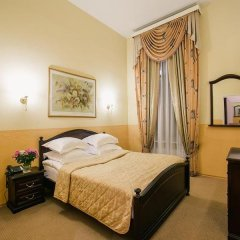 Гостиница Маршал 3* Стандартный номер с двуспальной кроватью фото 3