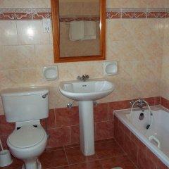 Отель San Antonio Guesthouse Мальта, Мунксар - отзывы, цены и фото номеров - забронировать отель San Antonio Guesthouse онлайн ванная