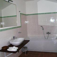 Отель Agriturismo Relais La Scala Di Seta Италия, Потенца-Пичена - отзывы, цены и фото номеров - забронировать отель Agriturismo Relais La Scala Di Seta онлайн ванная