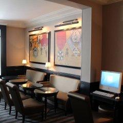 Отель Saint Cyr Etoile Париж развлечения