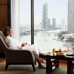 Royal Orchid Sheraton Hotel & Towers в номере
