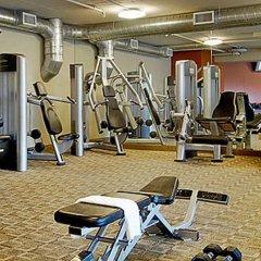 Отель DoubleTree by Hilton Montreal Канада, Монреаль - отзывы, цены и фото номеров - забронировать отель DoubleTree by Hilton Montreal онлайн фитнесс-зал фото 4