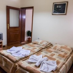 Отель Villa Vera Guest House Банско комната для гостей фото 2