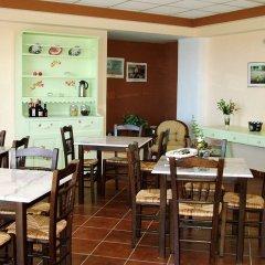Отель Skyfall Греция, Корфу - отзывы, цены и фото номеров - забронировать отель Skyfall онлайн питание