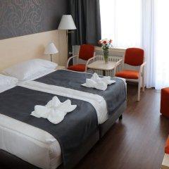 Hotel Krystal сейф в номере