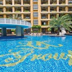 Отель Mantra Pura Resort Pattaya Таиланд, Паттайя - 2 отзыва об отеле, цены и фото номеров - забронировать отель Mantra Pura Resort Pattaya онлайн бассейн фото 2