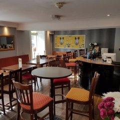 Dunster Castle Hotel гостиничный бар