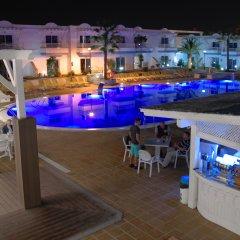 Отель Arena Beach бассейн