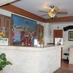 Отель Chang Charlie Inn Таиланд, Паттайя - отзывы, цены и фото номеров - забронировать отель Chang Charlie Inn онлайн интерьер отеля фото 2