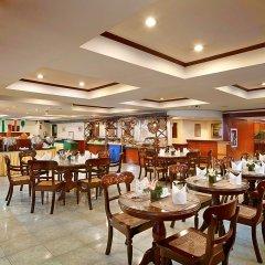 Отель Berjaya Makati Hotel Филиппины, Макати - отзывы, цены и фото номеров - забронировать отель Berjaya Makati Hotel онлайн питание фото 2