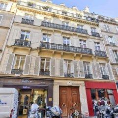 Отель 63 - Luxury Flat Champs-Élysées 1C Франция, Париж - отзывы, цены и фото номеров - забронировать отель 63 - Luxury Flat Champs-Élysées 1C онлайн балкон
