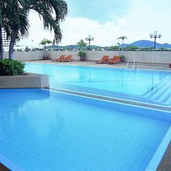 Metropole Hotel Phuket бассейн