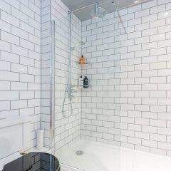 Апартаменты Hoxton 2 Bed Apartment by BaseToGo ванная фото 2