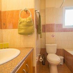 Апартаменты Konnos 2 Bedroom Apartment ванная