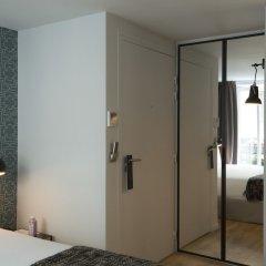Отель Monsieur Helder сейф в номере
