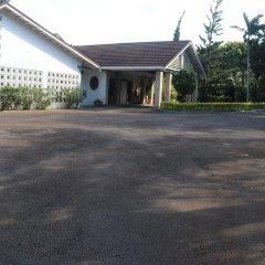 Отель 10 BR Guesthouse - Montego Bay - PRJ 1434 парковка