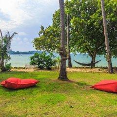 Отель Beachfront Villa Таиланд, пляж Панва - отзывы, цены и фото номеров - забронировать отель Beachfront Villa онлайн приотельная территория фото 2