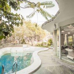 Отель Lohagarh Fort Resort бассейн
