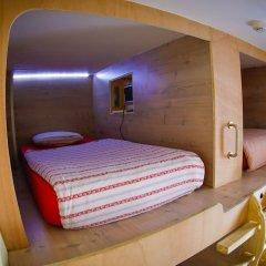Hostel One Paralelo Барселона комната для гостей